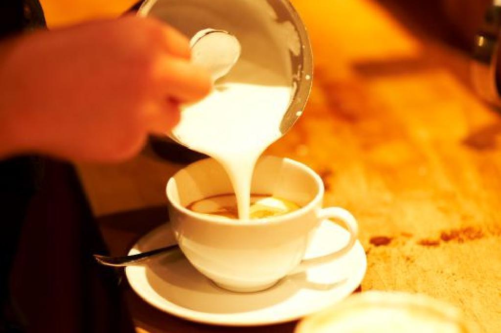 Apa itu Milchkaffee? - Café au Lait Jerman
