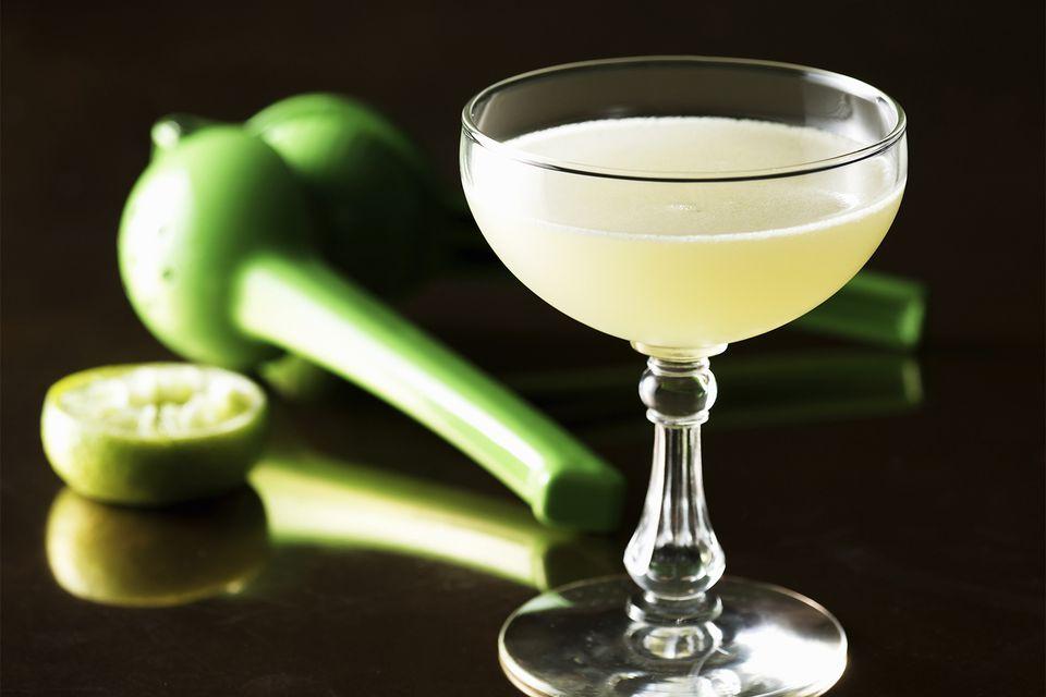 Edgar G. Juarez s Esmeralda Mezcal dan Gin Cocktial Recipe