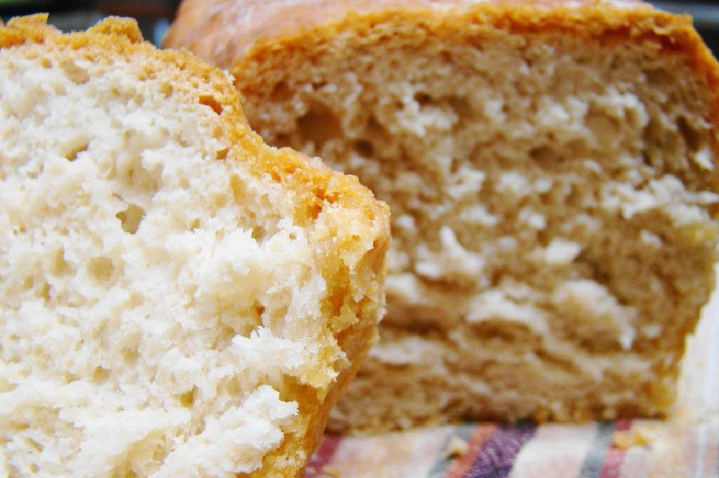Suurdeeg Bierbrood Resep 4 Bestanddele En 2 Brode