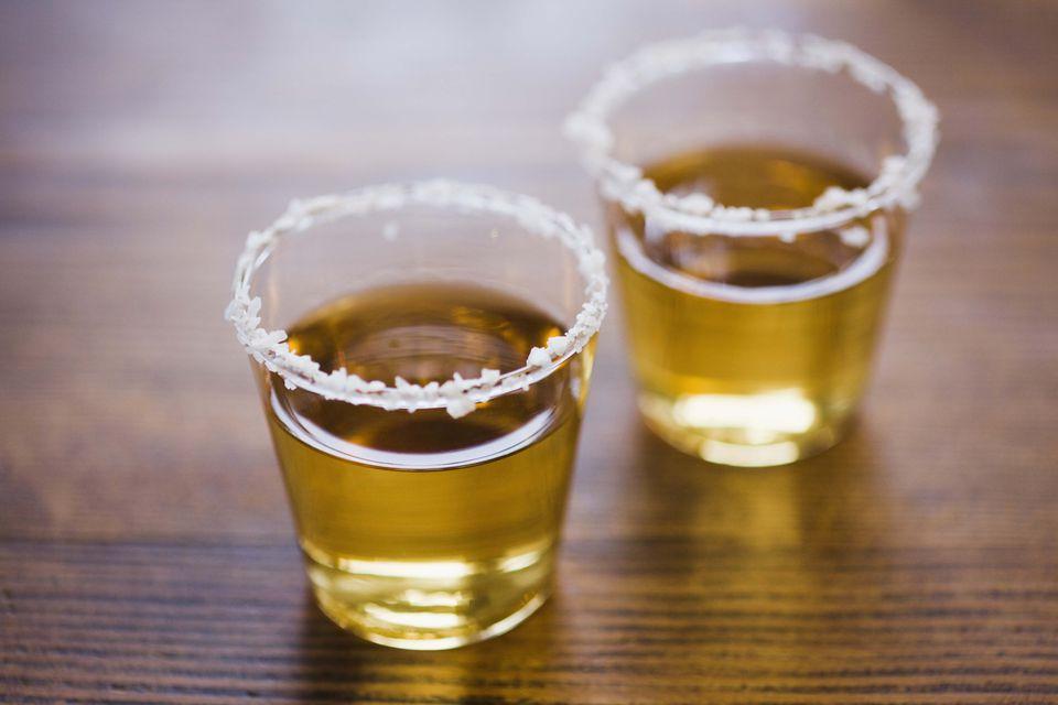 Tembakan emas Tequila